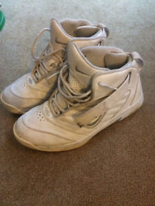 Nike Basketball shoes size 10.5 excellent