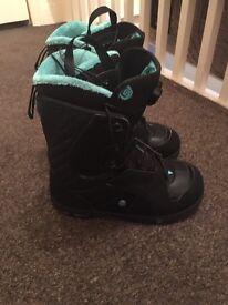 Solomon Ivy women's snowboard boots