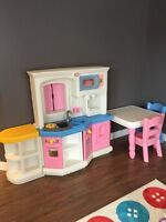 Little tikes play kitchen, table and chairs