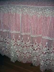COUVRE LIT -RIDEAU - TRINGLE....BED COVER -CURTAIN -CURTAN ROD