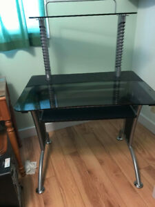 Computer desk - Glass top with metal frame