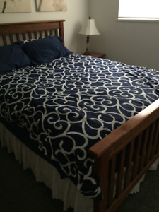 Red Oak Queen Size bedroom set for sale