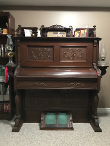 Antique Bell Pump Organ - FREE