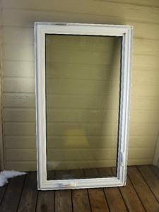 Fenêtres à battants en vinyle