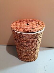 Wicker Laundry Hamper with Liner