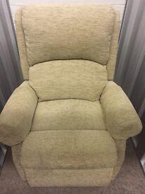 HSL Riser chair