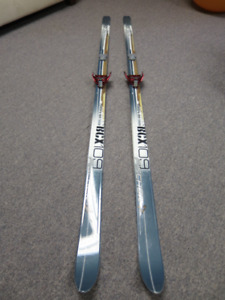 Lightweight touring skis