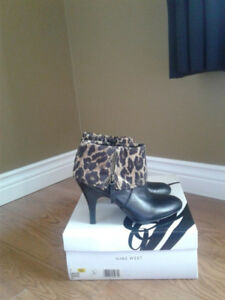 Nine West Woman's Ankle Boots size 7