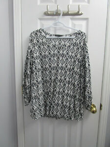 Ladies black/white pattern blouse from AE size 18 *worn once Kingston Kingston Area image 1