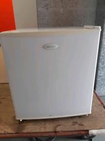 Mini fridge 46 litres
