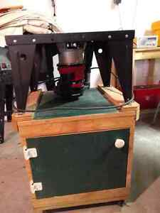 Craftsman router on stand