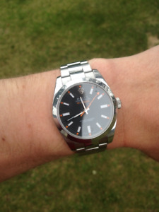 V-Series Rolex Milgauss 116400. Box and Papers.
