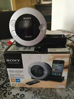 Sony am/fm Docking Station.  Fits iPods and iPhones.