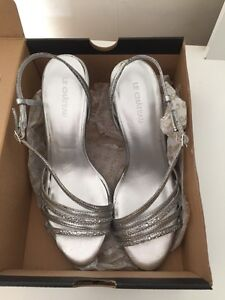 Silver sparkly  heels- size 7- NEW in box  Peterborough Peterborough Area image 3