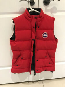 Canada Goose red vest- Medium