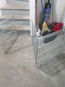 Collapsible wire fence