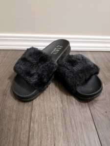 cheap for discount 221c5 223a5 Fenty Puma Slides | Kijiji - Buy, Sell & Save with Canada's ...