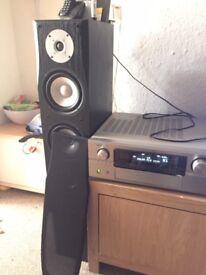 Speakers L+R +amplifier