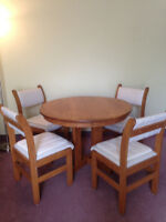 Heavy solid oak kitchen or dining room set