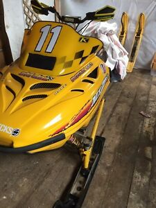 *MINT US SLED mxz 583 customs, trade or sell