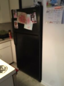 Fridge and stove for sale need gone ASAP for 175$
