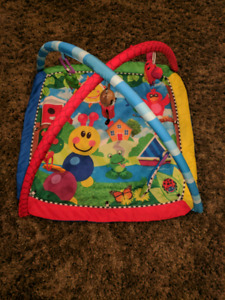 PLAY GYM & ACTIVITY MAT