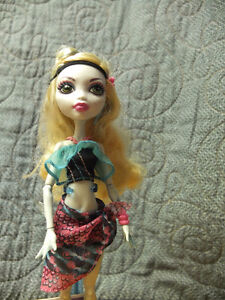 Monster High Dolls-Great shape and has all clothes/accessories Moose Jaw Regina Area image 8