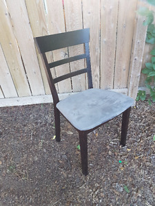 Solid Wood Dining Table - Extendable - With Four Chairs
