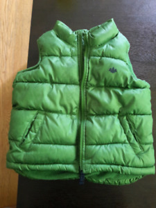 Old Navy Puffer vest size 3T
