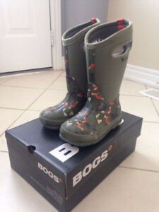 BOGS Boots US Size 11