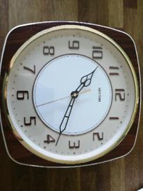 Vintage Clock - 70s RHYTHM