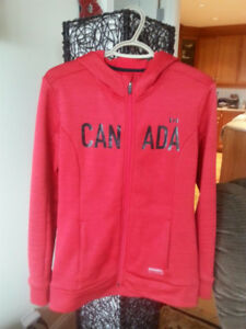 Canada Hoodie - Running Room - Medium