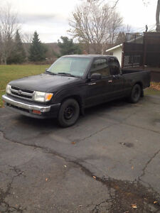 1999 Toyota Tacoma Extended Cab Pickup Truck 2 Wheel drive