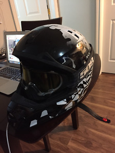 LARGE FOX HELMET WITH 509 GOGGLES
