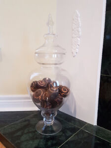 Black Accent Balls Filled Apothecary Jar