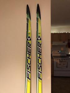 Fischer RCS Carbonlite Classic Skis
