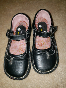 Toddler size 10 leather shoes euc