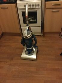 hoover-hu71hu05-hurricane-bagless-upright-vacuum-cleaner.