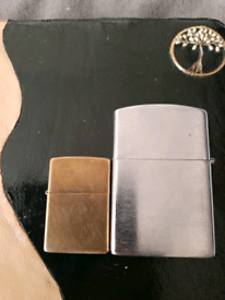 Large table top lighter, zippo style.