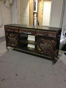 Armoire bois recycl meubles dans grand montr al for Meubles en bois montreal