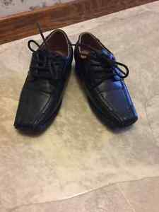 Size 11 dress black shoes for boys London Ontario image 2