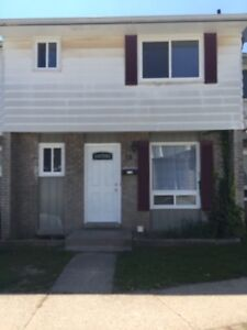 MUST SEE!!! - 3 BDRM Townhouse for rent in Niagara Falls