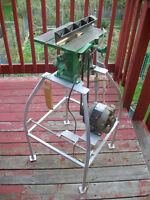 TABLE SAW AND STAND: