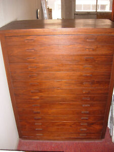 COMMODE - CHEST OF DRAWERS