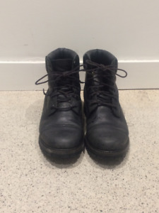 "Black Leather Timberland Waterproof 6"" Boots Size 9"