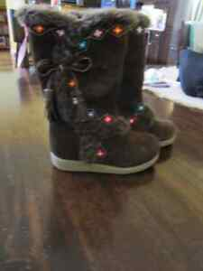 Toddler boots- size 8