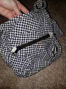 Volcom Satchel  Windsor Region Ontario image 2