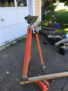 Kern Builders Level and case, tripod and grade rod