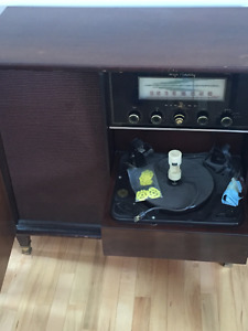 1950's Fully Funcationing Sterio/Record Player