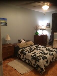 Fully furnished room for rent short/long term west island